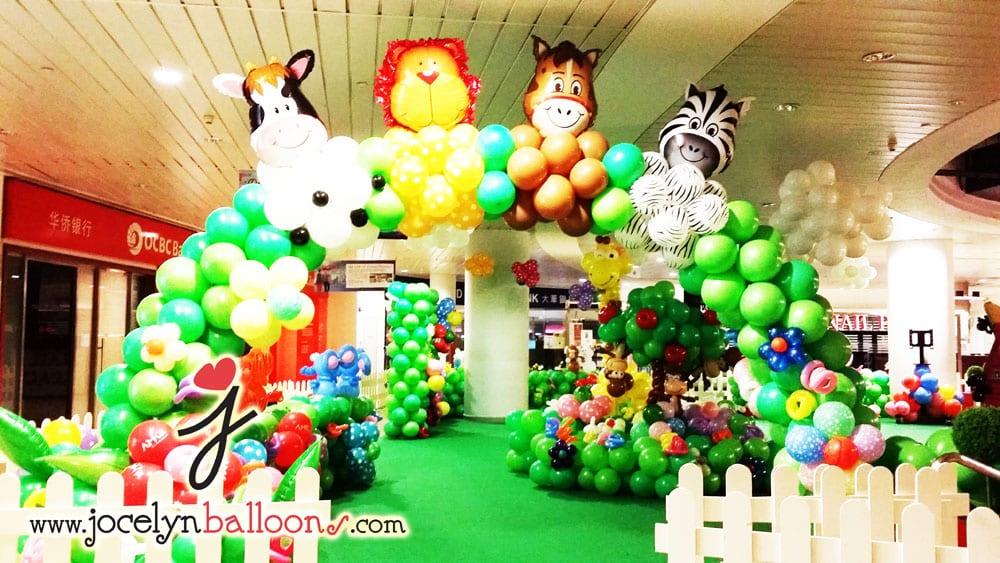 Shopping malls jocelynballoons the leading balloon for Balloon decoration companies
