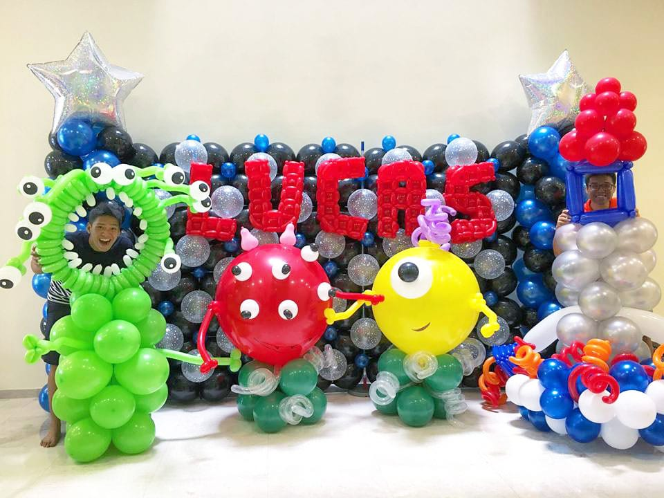 Wedding balloon decorations jocelynballoons the for Balloon decoration companies