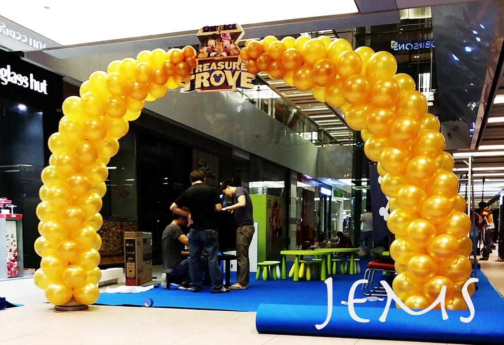 Disney magic balloon arch jocelynballoons the leading balloon decoration company in singapore