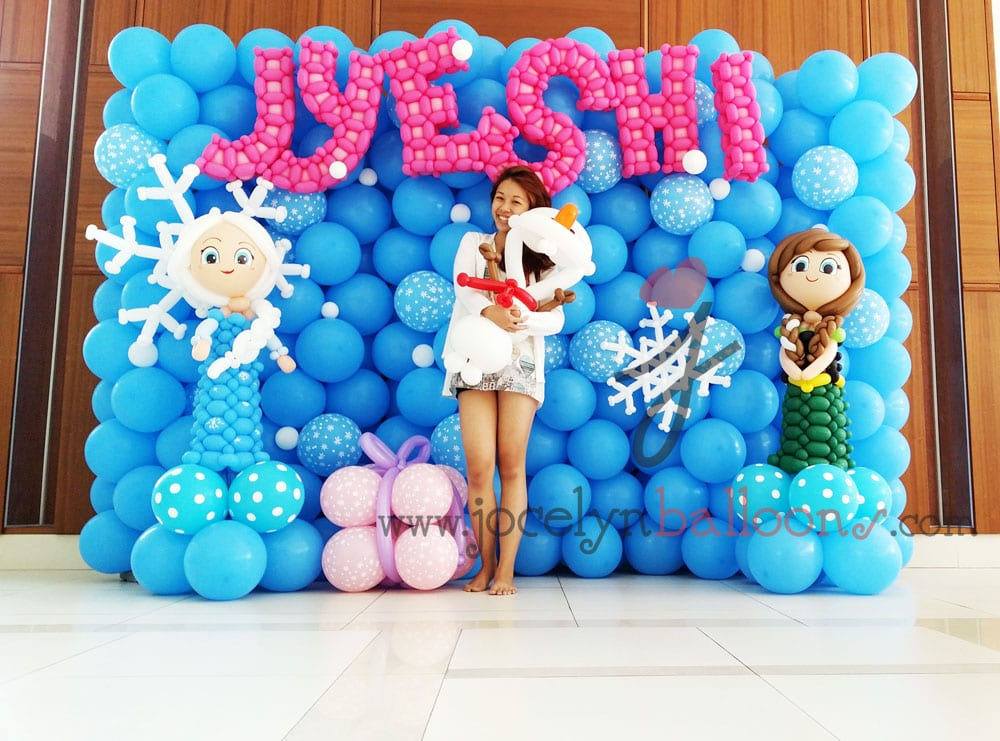 Frozen theme balloon backdrop jocelynballoons the for Balloon decoration companies