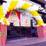 popcorn balloon arch