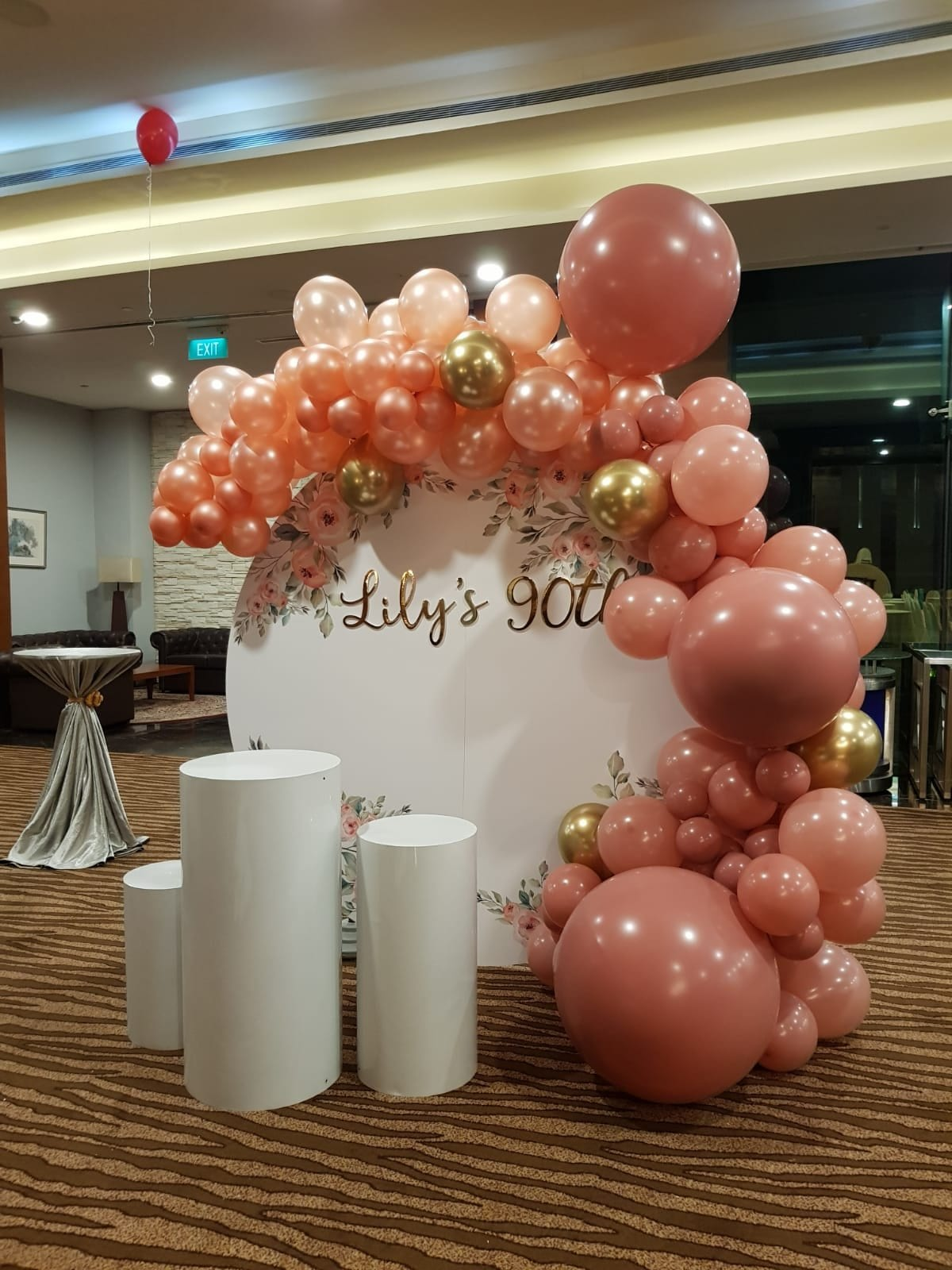 Rose gold and rose wood organic balloon backdrop
