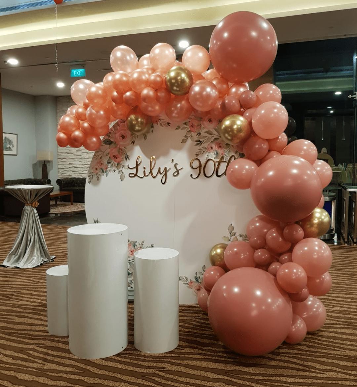 Circle Organic Balloon Backdrop